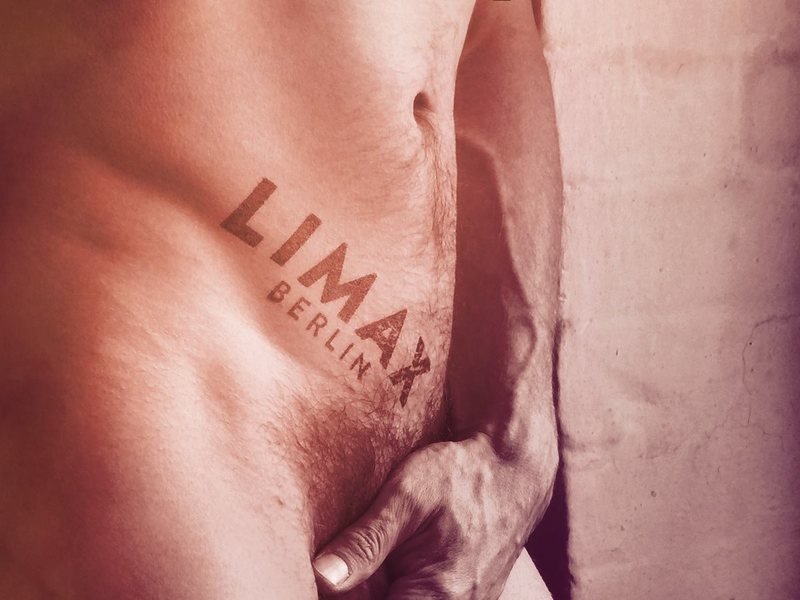 LIMAX: Great Naked Dance Party in Berlin